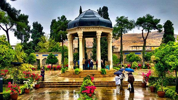 آیا حافظ واقعا پادشاه غزل فارسی است؟