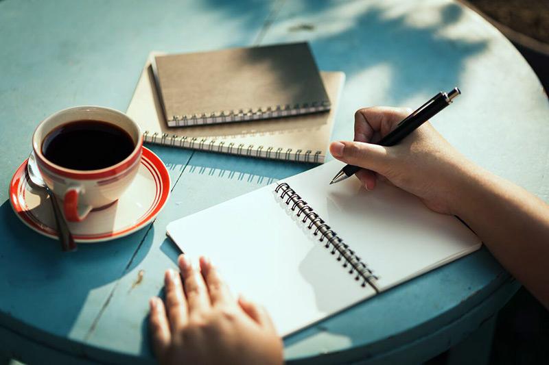 اگر عشق نویسندگی هستید، بخوانید